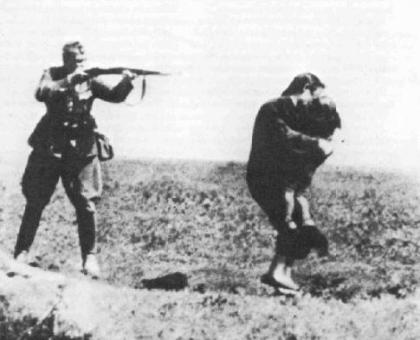 Execution of Mother and child by Nazi soldier